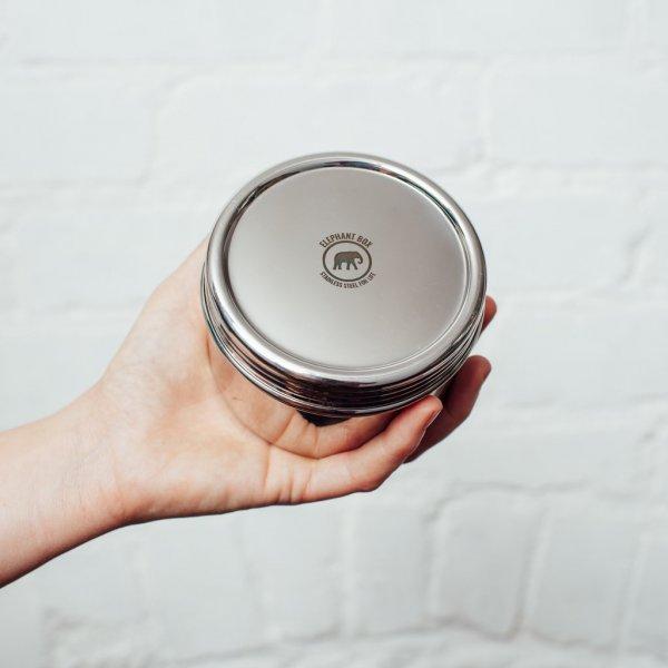 Csavaros fedelű rozsdamentes acél ételhordó doboz 1 db nagy – 500 ml