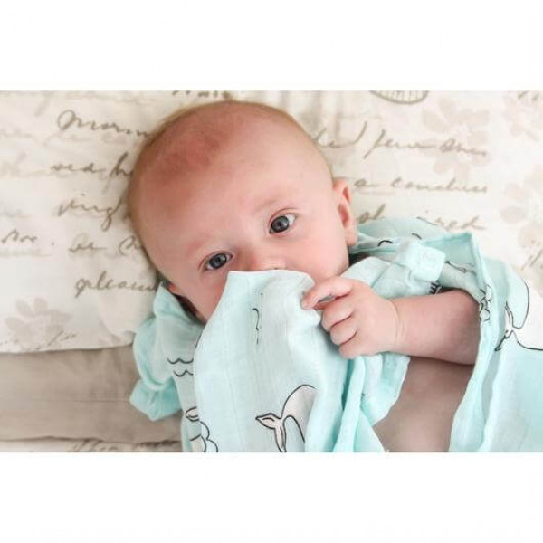 Muslin swaddle – whale