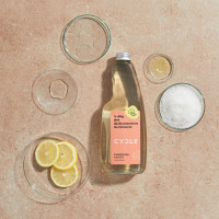 Cycle bathroom cleaner with lid