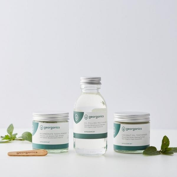 Spearmint Oral care pack with beech toothbrush